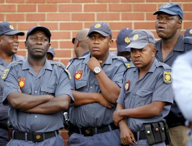 Police crackdown in South Africa to enforce coronavirus restrictions